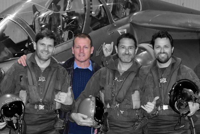 """Laurent """"Ponpon"""" Pons: Pilote mirage F1, AlphaJet 5750 H de vol 137 missions de guerre Entrepreneur : 5 ans d'expérience de management TPE"""